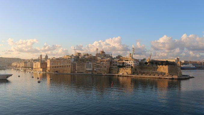 DW: Malta - prva stanica iseljenika početnika s Balkana 1