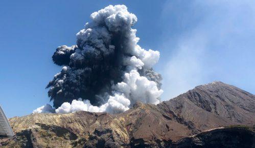 Vulkan na Novom Zelandu izbacuje još pare i blata, odloženo izvlačenje tela 3