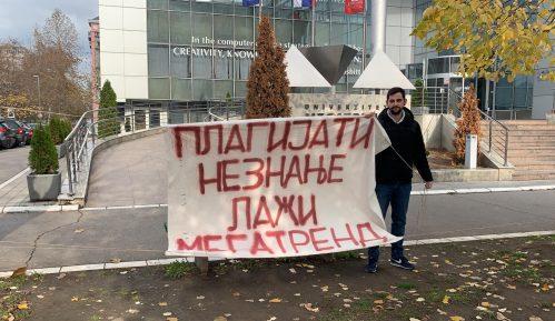 Akcija omladine Narodne stranke: Plagijati, neznanje i laž - Megatrend 6