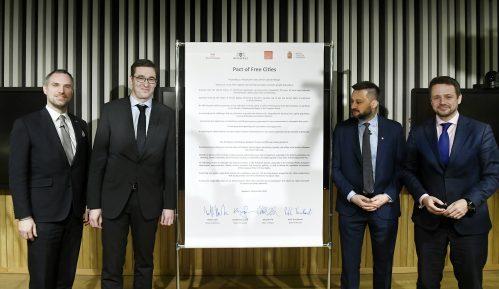 Gradonačelnici četiri centralnoevropske prestonice potpisali Pakt slobodnih gradova 13