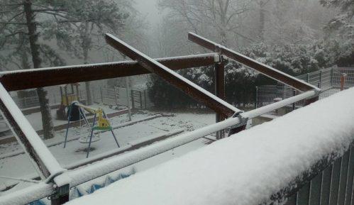 Na Avali pao prvi sneg (FOTO) 3