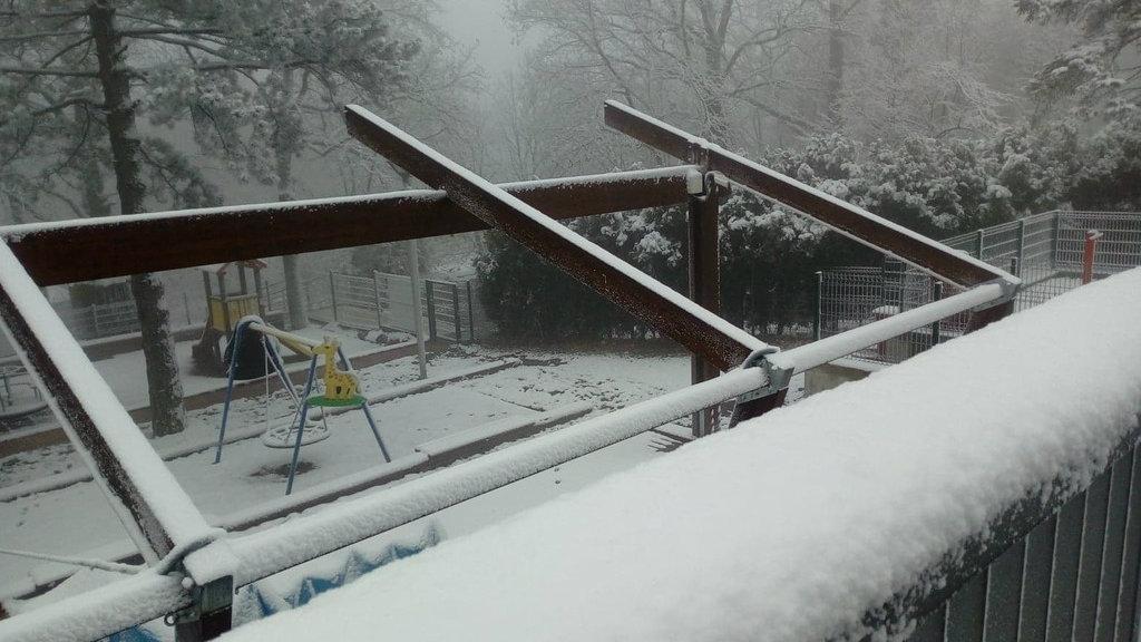 Na Avali pao prvi sneg (FOTO) 1