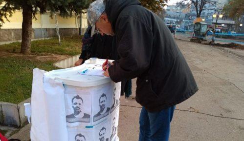 Zaječarci potpisivali peticiju za puštanje Aleksandra Obradovića iz pritvora 36