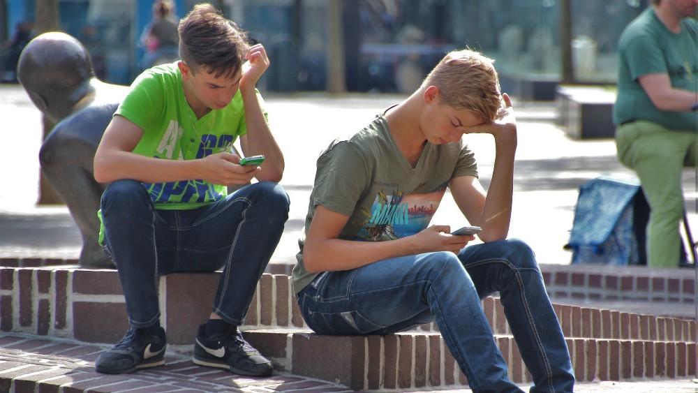 Moć sugestije društvenih mreža: Kako objave kreiraju javno mnjenje 1