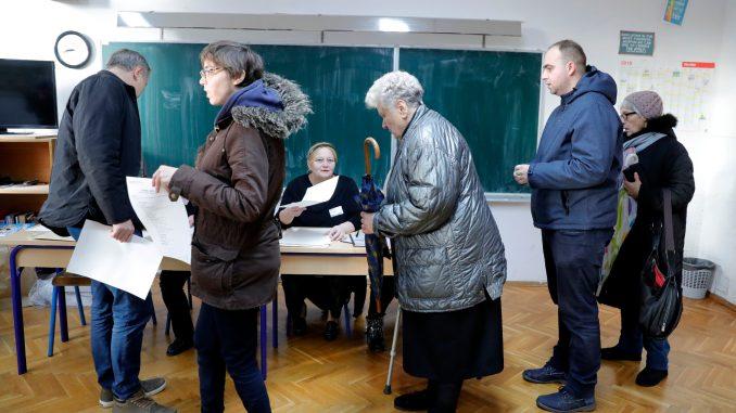 Hrvatska štampa: 3,84 miliona glasačkih listića za drugi krug predsedničkih izbora 1