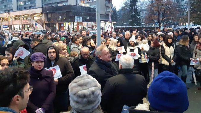 I Leskovčani spontano pružili podršku Vučiću: Naše mete su mir i stabilnost 1
