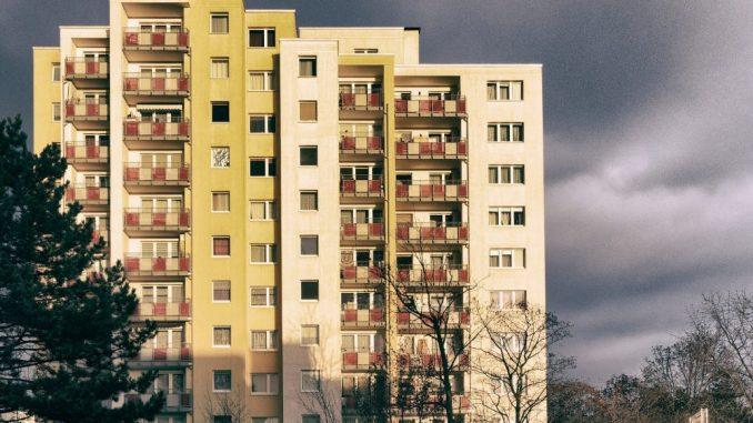 Više od polovine stanovništva EU živi u kućama 2