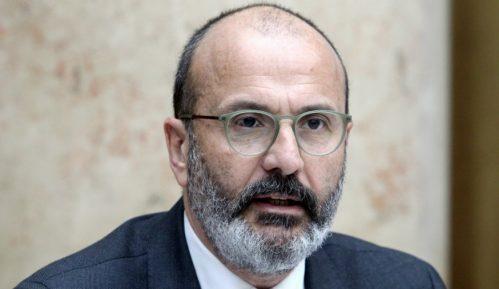 Fabrici: Srbija treba da nastavi reforme na putu ka EU 11