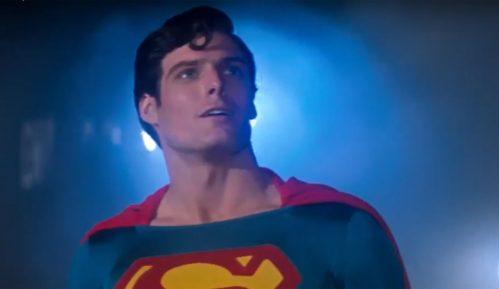 Supermenov plašt prodat na aukciji za 193.750 dolara 8