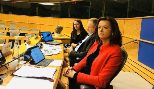 Fajon: U Srbiji prisutan visok nivo kršenja demokratije i medijskih sloboda 7