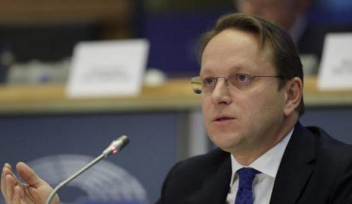 Varhelji: Razlika u privrednom razvoju između regiona i EU mora što pre da nestane 12