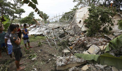 Jak tajfun pogodio Filipine u danu kada se proslavlja Božić 4