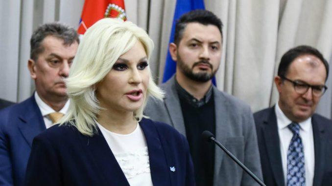 Mihajlović: Opravdan leks specijalis za bržu izgradnju infrastrukture 2