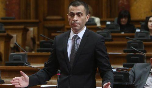 Poslanici SPS kritikovali naslovnu stranu Danasa 4