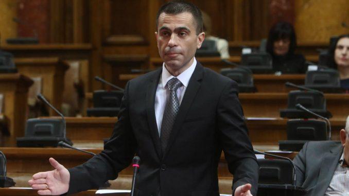 Poslanici SPS krtikovali naslovnu stranu Danasa 4