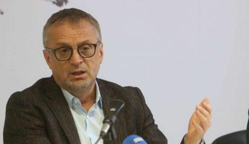 Poverenik Ilić se izuzeo jer je objavljivao u Danasu i Cenzolovci 2