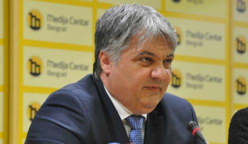 Vladimir Lučić: Profesionalac 6