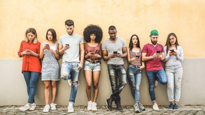 Mladi, upoznavanje i društvene mreže: Generacija Z samouka u digitalnom svetu 1