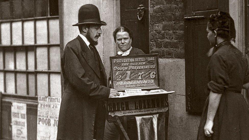 Ulični prodavac lekova 1877