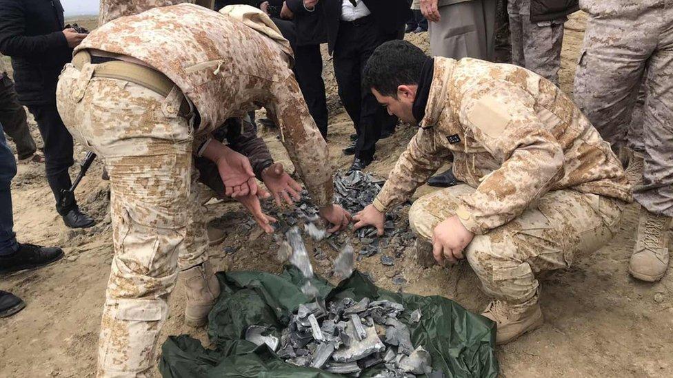 Iračke snage bezbednosti skupljaju ostatke projektila u oblasti Bardah Raš