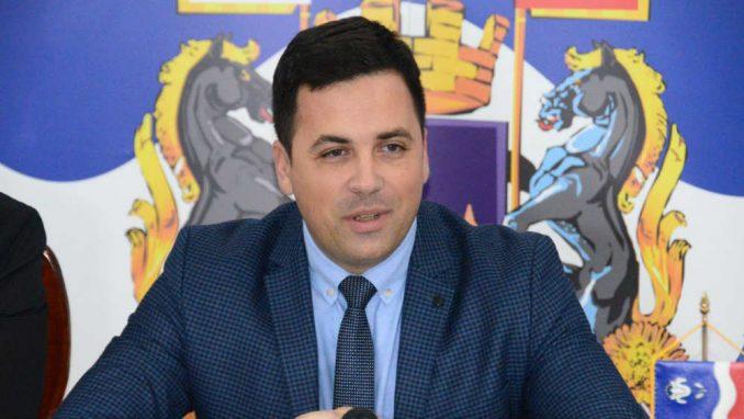 Šabački parlament za tri i po godine održao 38 sednica 1