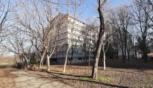 Prva zgrada u Zrenjaninu na kojoj se postavlja izolacija i obnavlja fasada 3