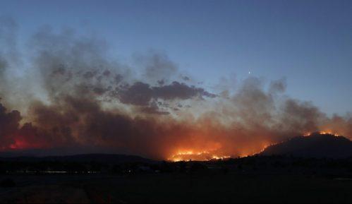 U Kanberi proglašeno vanredno stanje zbog požara 6