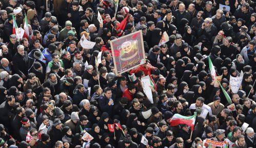 Britanski ambasador u Iranu negira učestvovanje u demonstracijama 1