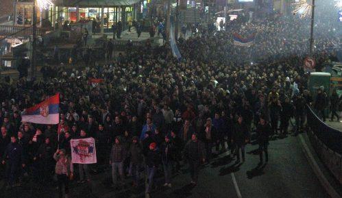 Okončan protest navijača ispred Ambasade Crne Gore u Beogradu 8