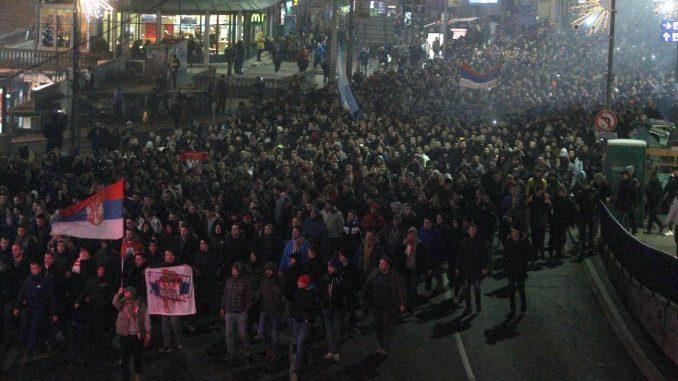 Okončan protest navijača ispred Ambasade Crne Gore u Beogradu 1