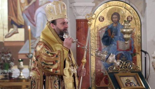 Prokupačko sveštenstvo služi liturgije na otvorenom 3