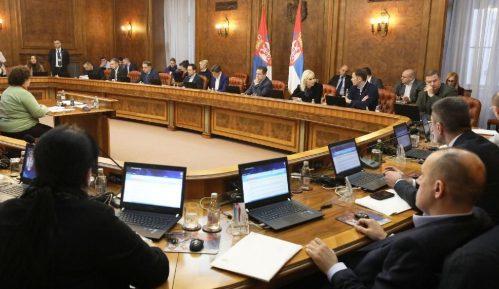 Vlada usvojila Strategiju za smanjenje odlaska građana iz Srbije 13