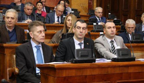 Poslanici nastavili rad, na početku pitanja o Kosovu, turizmu i radikalima 8