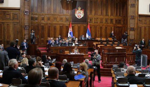 Poslanici opozicionih stranaka traže povlačenje Zakona o nestalim bebama 13