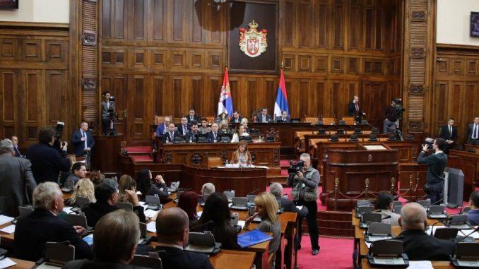 Poslanici opozicionih stranaka traže povlačenje Zakona o nestalim bebama 1