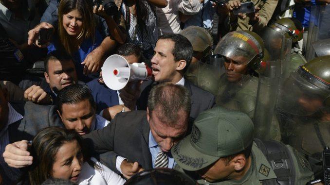 Gvaido položio zakletvu u parlamentu usred parlamentarne krize u Venecueli 2