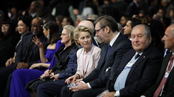 Otvoren 50. Svetski ekonomski forum u Davosu 3