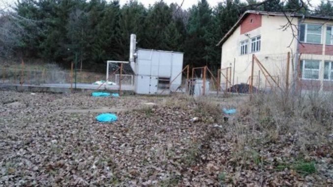 Pokupljeno smeće oko osnovne škole u Velikom Izvoru 2