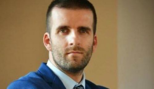 Teolog Mladen Aleksić 10. januara odgovara na Fejsbuku 8