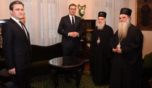 Vučić čestitao Božić patrijarhu i vernicima 13