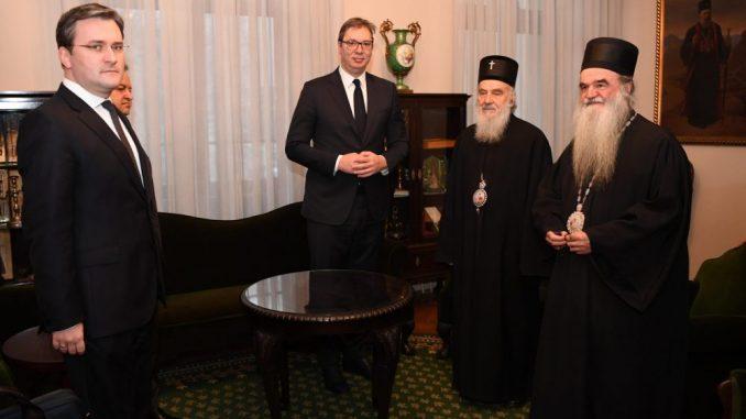 Vučić čestitao Božić patrijarhu i vernicima 3