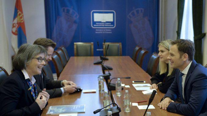 Britanska ambasadorka: Nastavićemo da podržavamo Srbiju na putu ka EU 4
