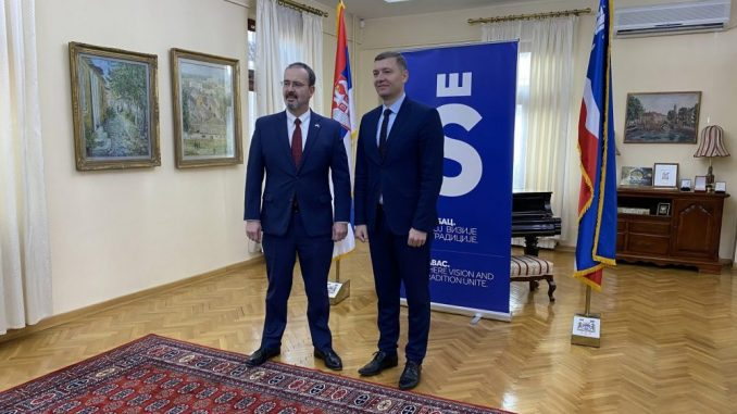 Ambasador SAD posetio Šabac, raduje ga što se čuju različita mišljenja 2