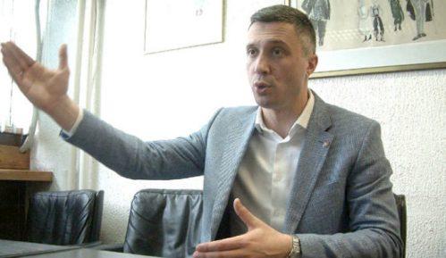 Obradović: Krizni štab da naloži meru samoizolacije za Vučića 13