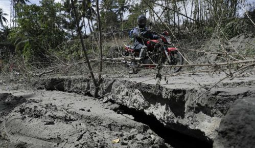 Vulkan na Filipinima se smiruje, ali erupcija nije isključena 1