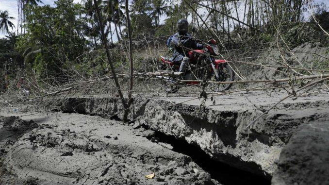 Vulkan na Filipinima se smiruje, ali erupcija nije isključena 4