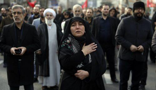 Hiljade Iračana okupilo se na ispraćaju iranskog generala 10