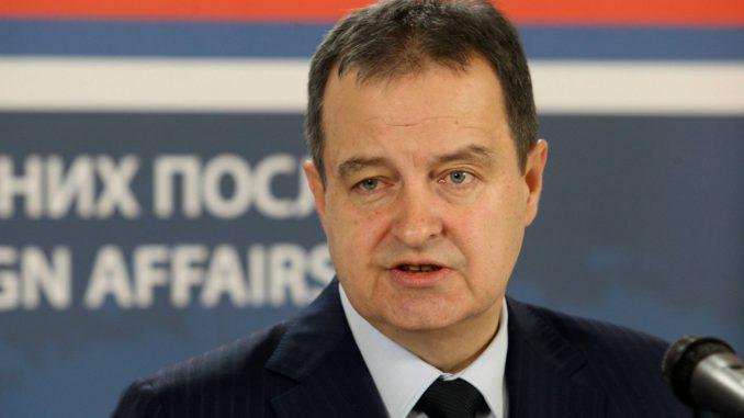 Dačić: Odluke o otvorenim granicama za državljane Srbije menjaju se iz dana u dan 2