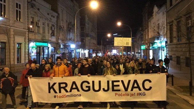 Jedan od pet miliona u Kragujevcu: Nećemo život u zemlji koju je zarobila dinastija Vučić 1