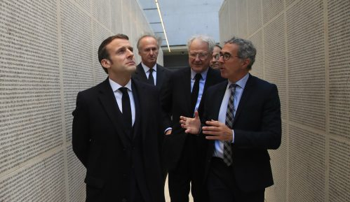 Makron: Ne treba popustiti pred nepodnošljivim povratkom antisemitizma 5